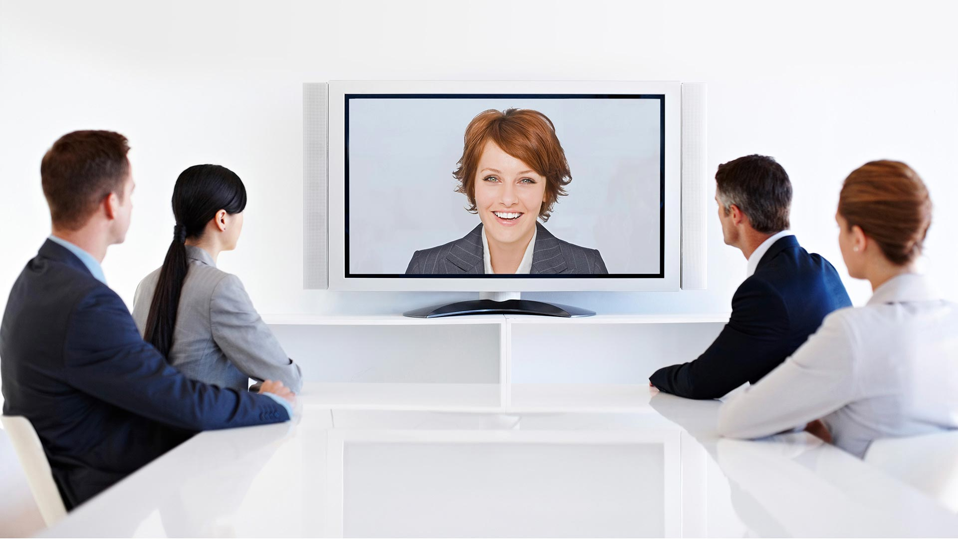 Streamline your video conferencing with Touch Screens from Crunchy Tech